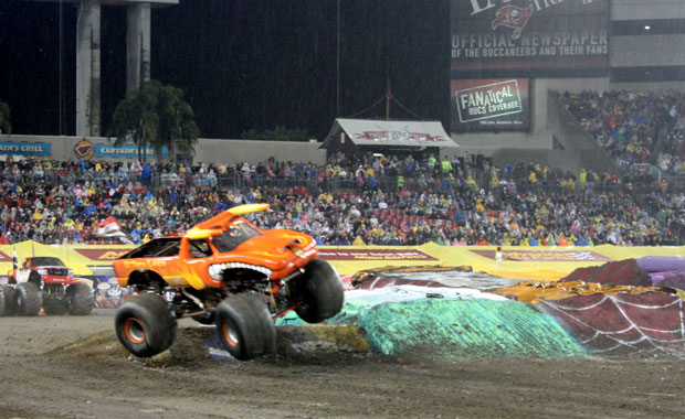 Monster Jam au stade Raymond James