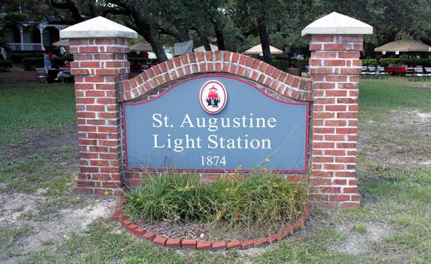 Visite de Saint Augustine